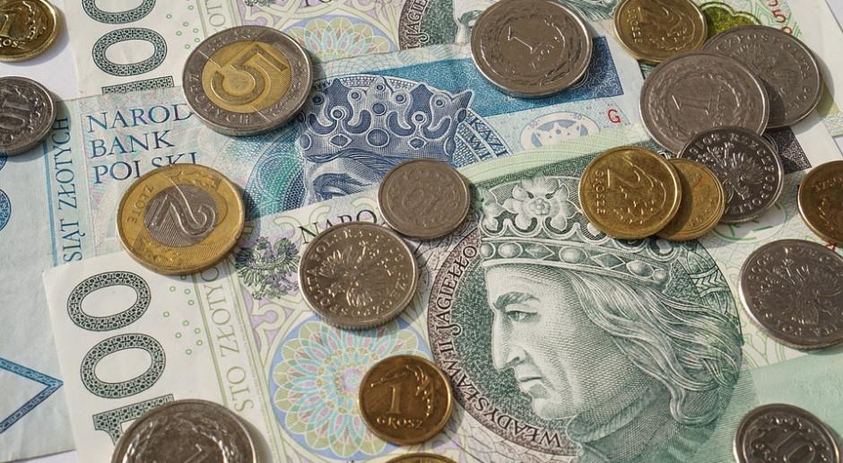 MF szacuje, że w 2022 r. wpływy ze składek od reklam wyniosą 800 mln zł