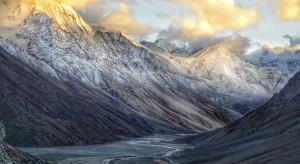 Indie: Dziewięć ofiar śmiertelnych po pęknięciu himalajskiego lodowca