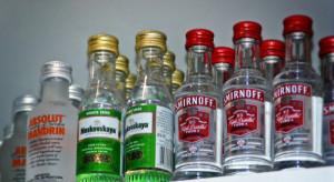 """Alkoholowe """"małpki"""" mocno podrożały, ale nadal je kupujemy"""