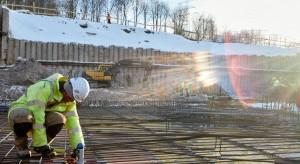 Drożejąca ropa i wyroby stalowe uderzają w budownictwo