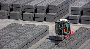 Giganci zamykają największy zakład na świecie