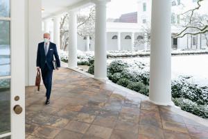 USA: Grupa ekspertów wzywa Bidena do zamykania zagranicznych baz
