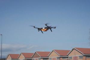 Leonardo testuje możliwości transportowe dronów w miastach