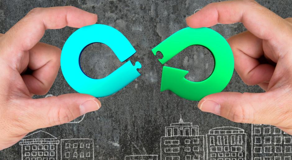 #zielonemagazyny - moda czy realne korzyści? Weź udział w sondzie