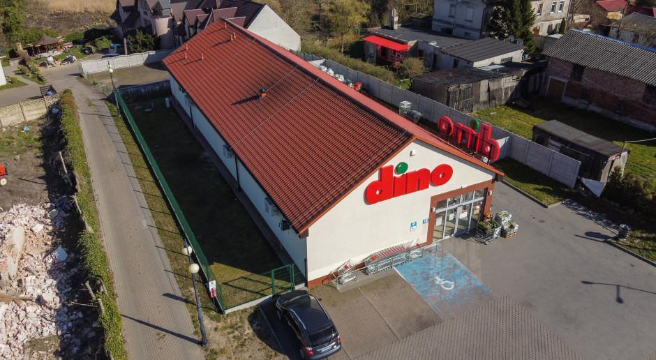 Dino Polska buduje instalacje fotowoltaiczne na dachach 800 sklepów