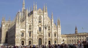 Tłumy w Rzymie i Mediolanie