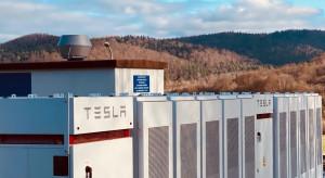 Chcą oferować w Polsce magazyny energii z urządzeniami Tesli