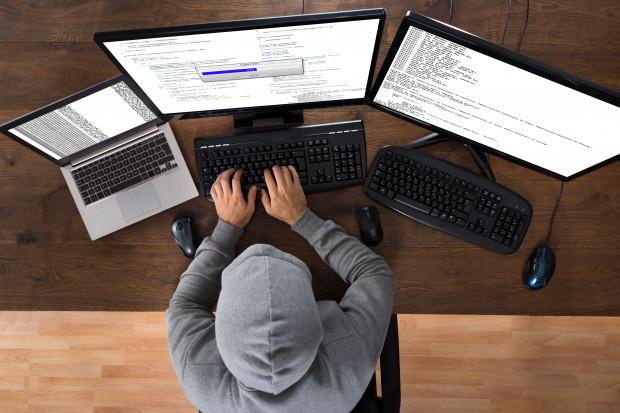 Hakerzy zyskali nowe kierunki ataków. Firmy muszą zmienić strategie