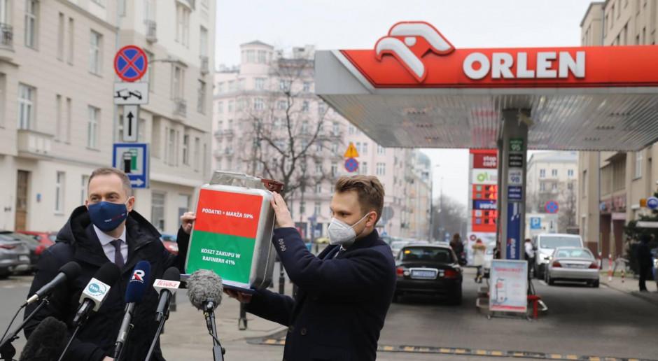 """Burza wokół cen paliw, czyli kto tak naprawdę """"łupi Polaków"""""""