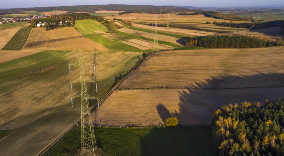 PSE: linia 400 kV Czarna - Pasikurowice pod napięciem