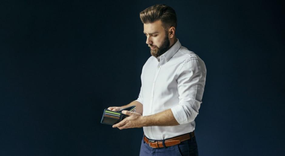 Młodzi Polacy coraz bardziej zadlużeni