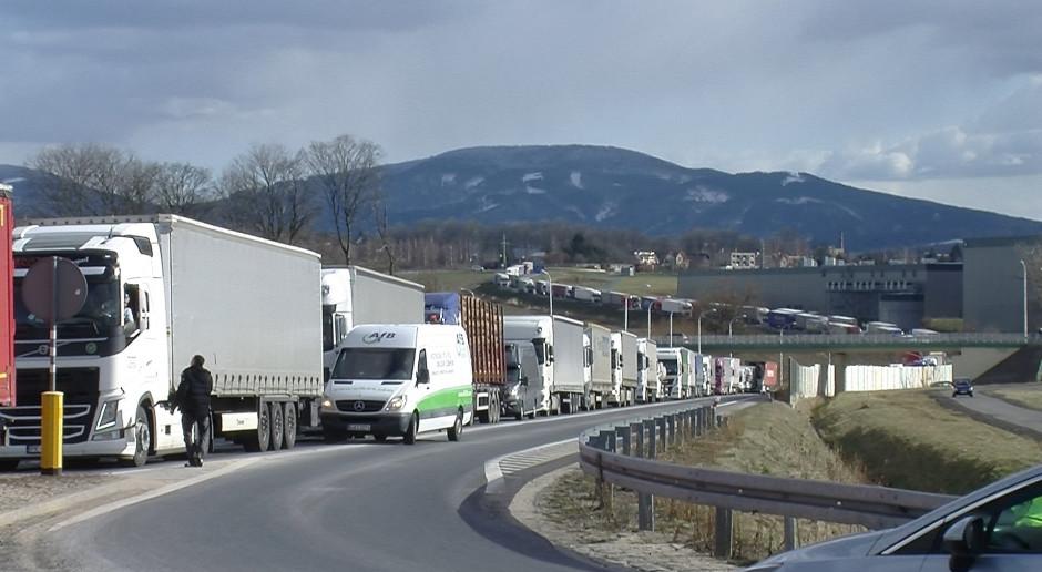 Ręce precz od Turowa! W obronie kopalni blokowano przejście z Czechami