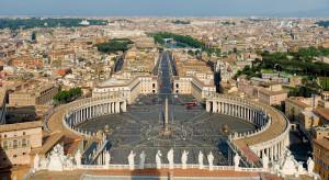 Papież obniżył pensje w Watykanie
