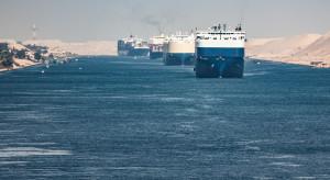 Do Kanału Sueskiego powrócił feralny kontenerowiec