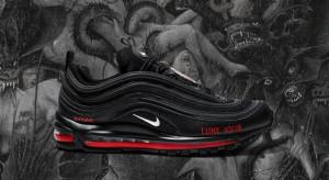 Nike pozywa firmę, która stworzyła buty z kroplą krwi