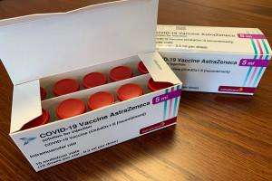 Wstrzymali szczepienia AstraZeneką dla osób poniżej 60 lat