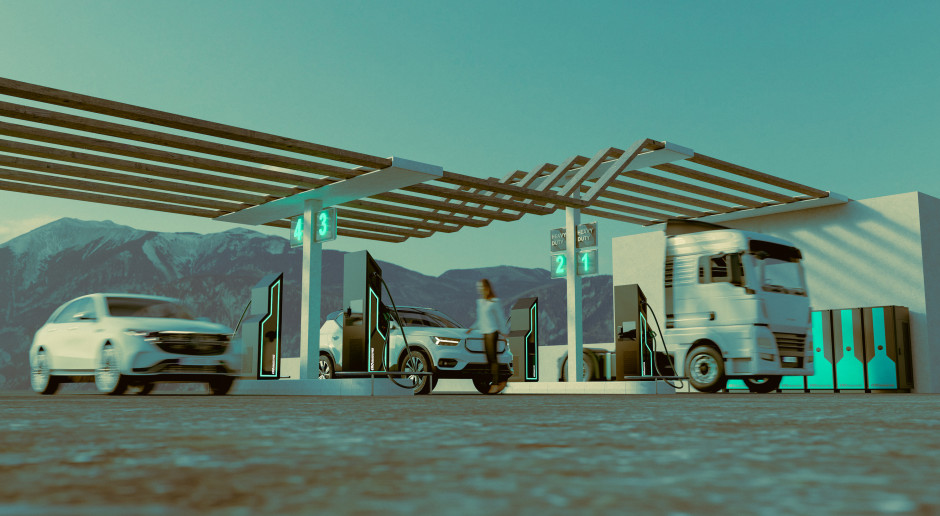 Ultraszybkie ładowarki Ekoenergetyki naładują samochód na 100 km w minutę
