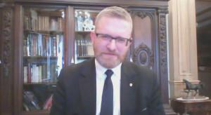 """Grzegorz Braun ostro o Krajowym Planie Odbudowy. """"To abdykacja i zdrada stanu"""""""