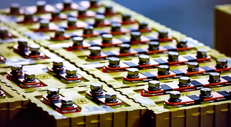 Raport: Do 2030 roku zapotrzebowanie na baterie wzrośnie 14-krotnie