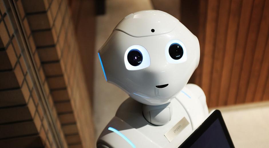 Sztuczna inteligencja pracuje lepiej, kiedy myśli na głos
