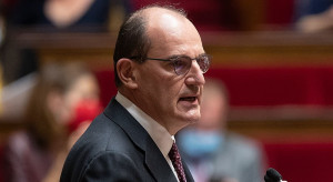 We Francji sklepy z bielizną żądają zniesienia obostrzeń i...  wysyłają majtki do premiera