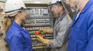 Coraz więcej kobiet w polskich fabrykach