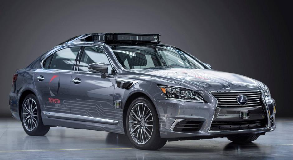 Toyota da ponad pół miliarda dolarów za wiedzę Lyfta o autonomicznych pojazdach