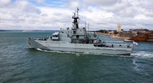 Francja grozi odcięciem prądu, Anglia wysyła okręty Royal Navy. Krajobraz po brexicie