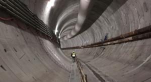 Budowa tunelu w Świnoujściu na półmetku