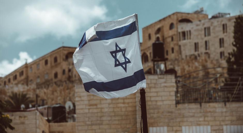 Izrael: 80 proc. zaszczepionych, którzy się zakazili wirusem, nie infekowało innych