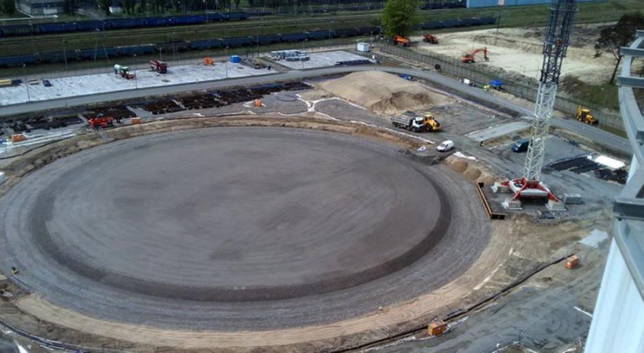W terminalu LNG powstaje płyta pod największy zbiornik