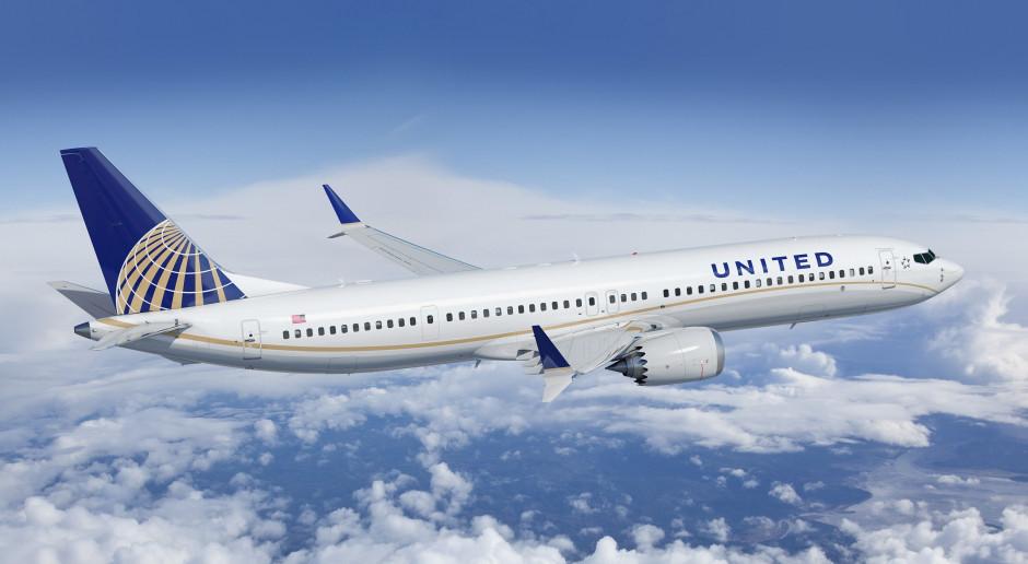 Boeing odbija się od dna