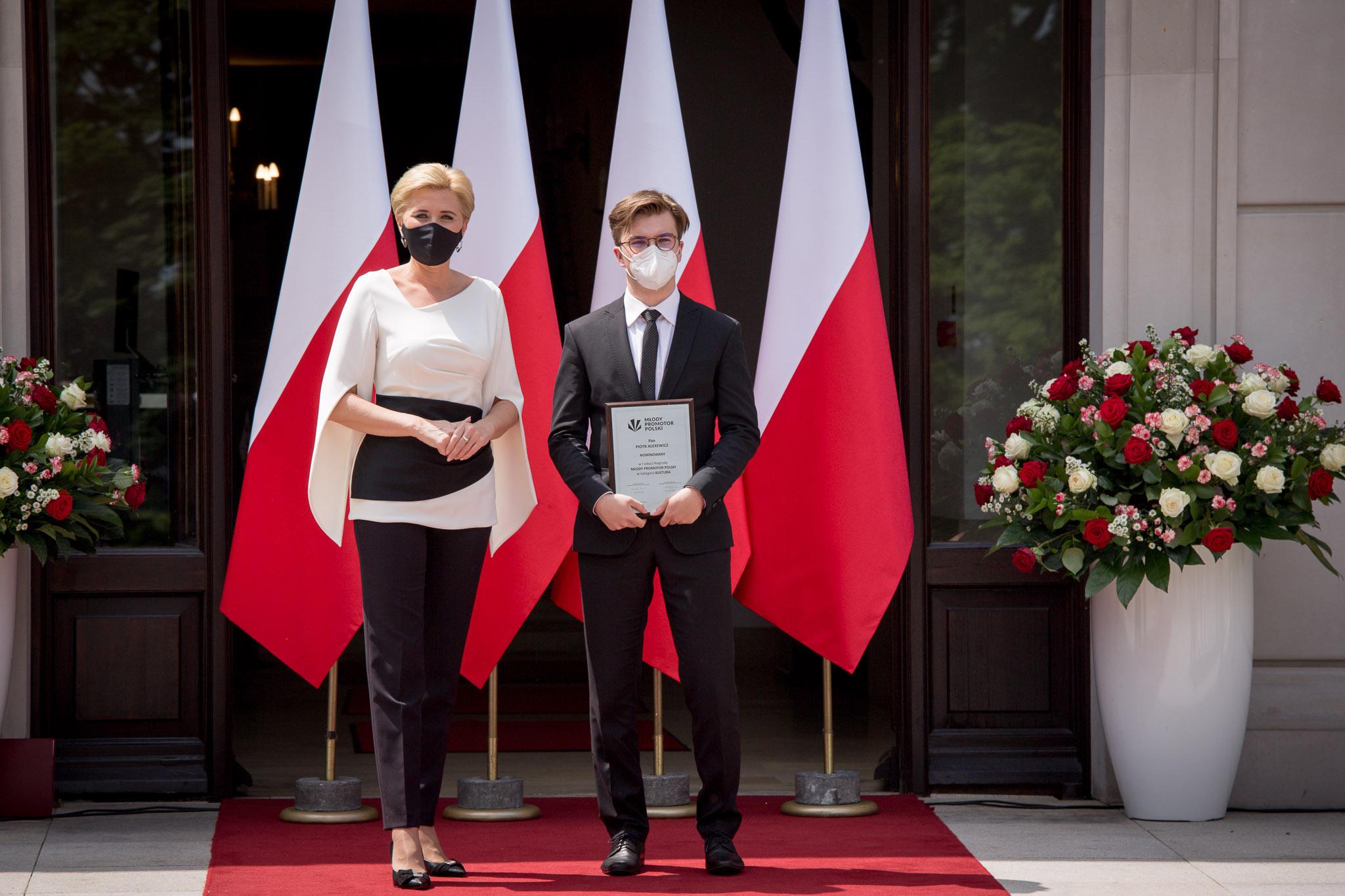 Decyzją Pierwszej Damy Agaty Kornhauser-Dudy Młodym Promotorem Polski 2021 został Piotr Alexewicz. fot. Kamil Broszko/Teraz Polska