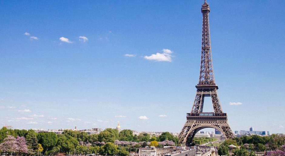 Francja: W 140 miastach demonstracje przeciw skrajnej prawicy