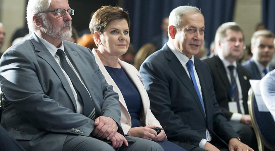 Izrael: Po 12 latach rządów Netanjahu Kneset zatwierdził rząd pod nowym przywództwem