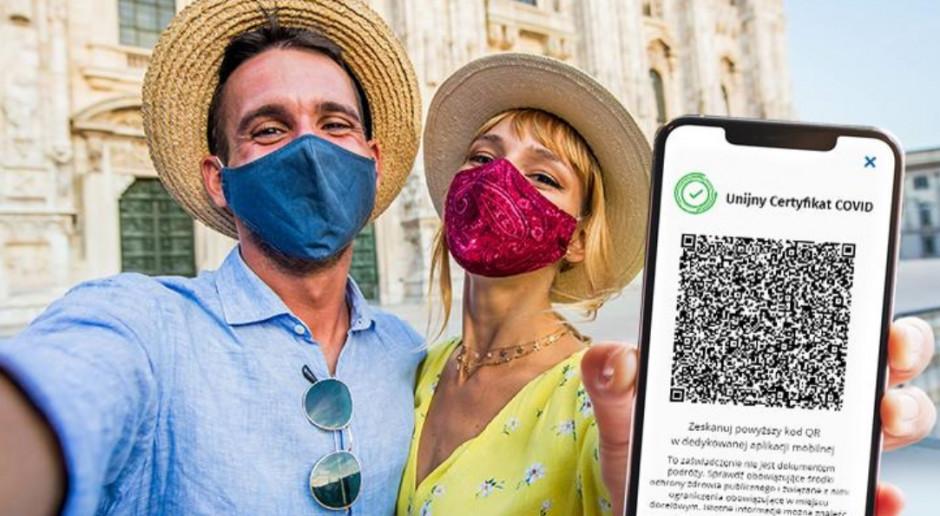 """Włosi już mogą korzystać z """"zielonego paszportu"""""""