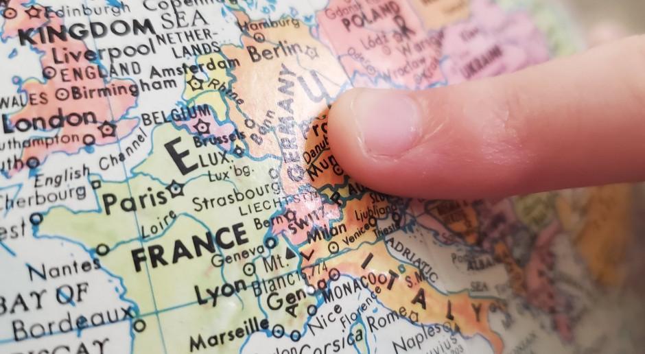 Europa znosi kolejne restrykcje: We Francji i we Włoszech koniec godziny policyjnej