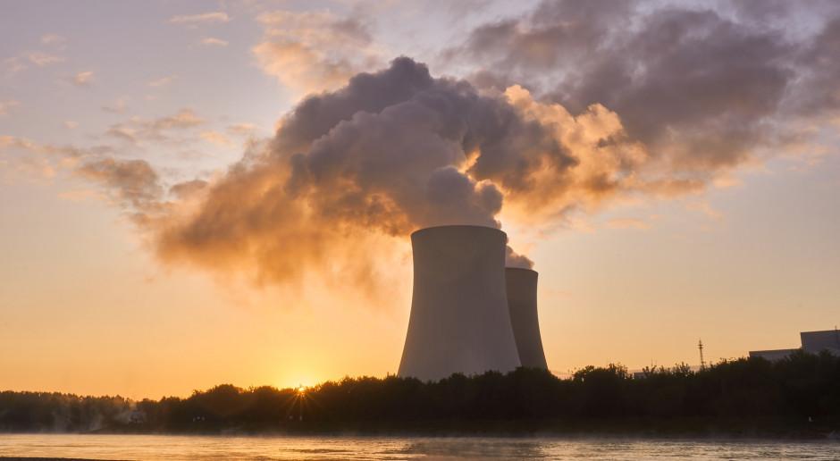 Opóźnienie w polskim atomie to nie problem. Martwić może co innego