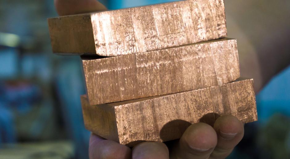 Chiny uwolnią niewielkie zapasy metali - miedź drożeje