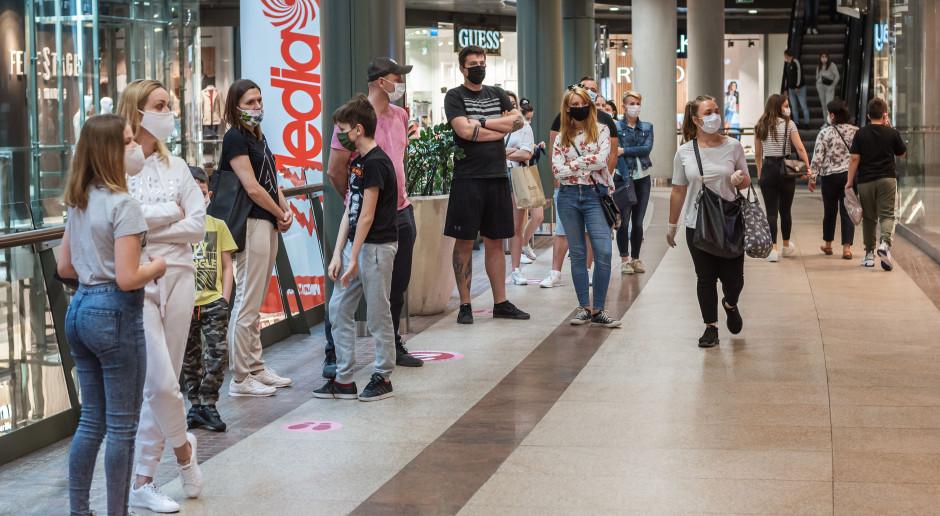 Polacy już nie boją się zakupów w sklepach tradycyjnych