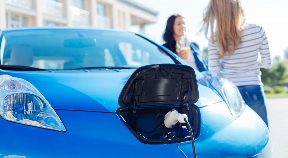 Samochody elektryczne przewyższą sprzedażą spalinowe za 12 lat