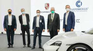 Porsche inwestuje w produkcję wysokowydajnych akumulatorów