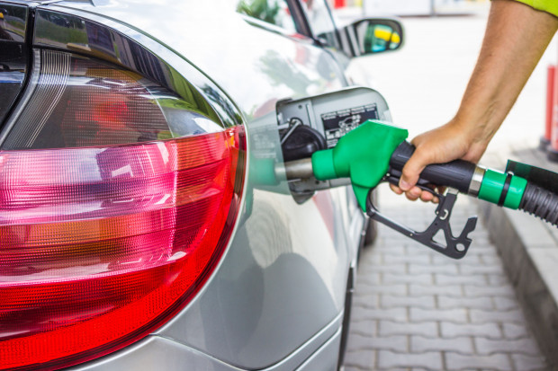 Brak  perspektyw na spadek cen paliw
