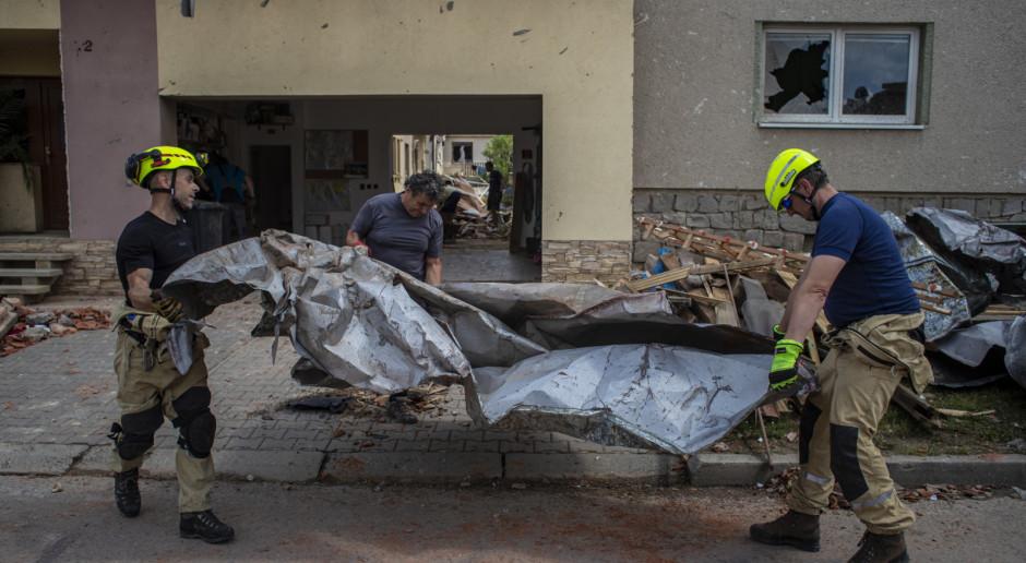 Czechy: Zmarła 6 ofiara czwartkowego tornada na południu Moraw