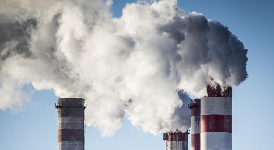 Analitycy: redukcja emisji w UE sięgnie 14 proc. dzięki m.in. granicznemu podatkowi węglowemu