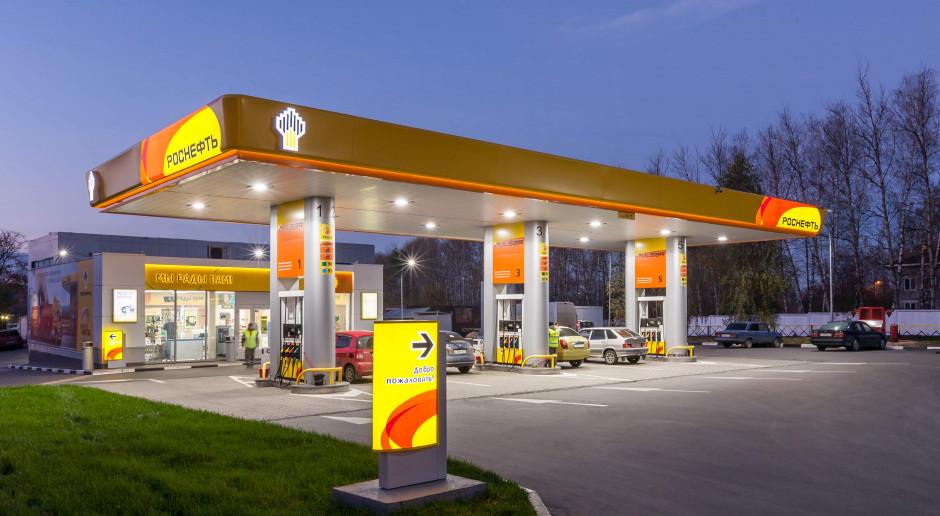 Rosyjski koncern naftowy uruchamia apteki na stacjach paliw