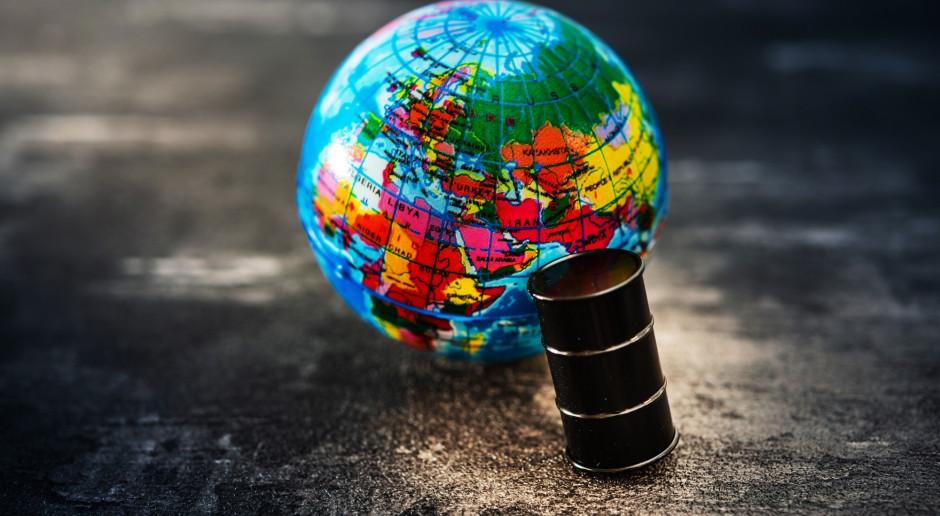 Ropa zyskuje przed decyzją OPEC+ w sprawie dostaw surowca