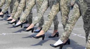 Wojsko w butach na obcasie. Wybuchła awantura