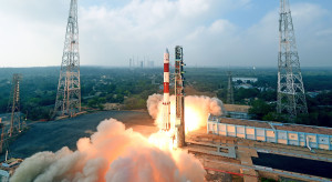 Polak rozbudowuje konstelację satelitów. Pomaga mu współpraca ze SpaceX