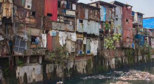Pandemia: miliarderzy wzbogacili się, miliony ludzi w ubóstwie